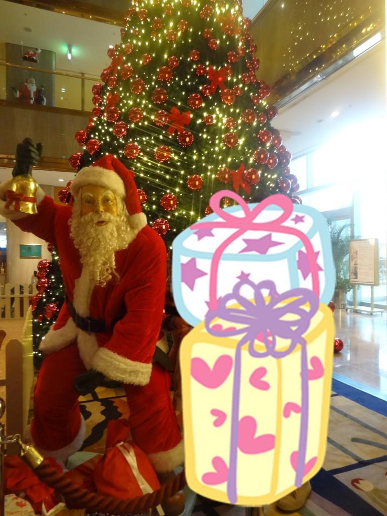 ヒルトン大阪のロビーのクリスマスツリー