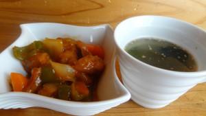 「大豆のお肉」で作った酢豚&わかめスープ