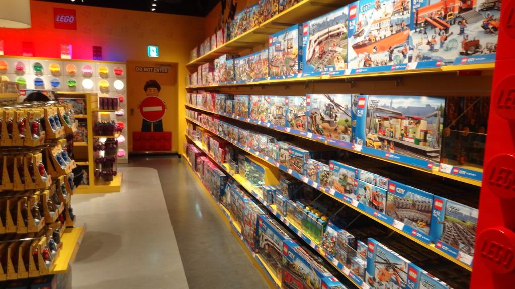 「レゴランド・ディスカバリー・センター大阪」の隣接しているレゴショップ
