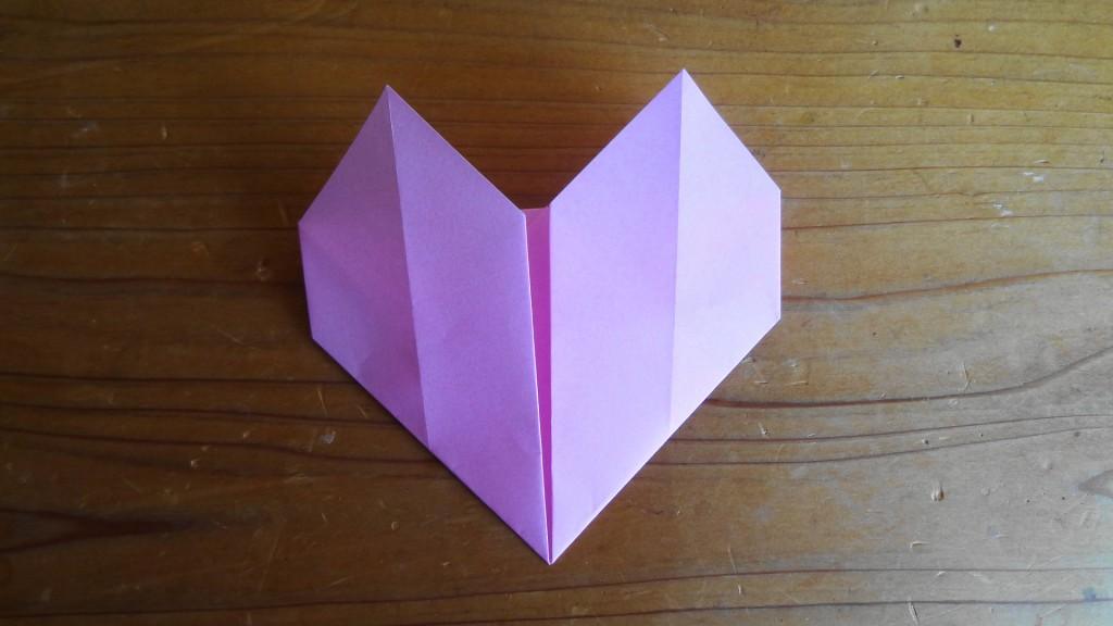 <簡単なハートの折り方>5,(2)
