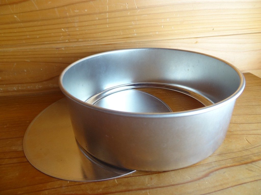 底が抜けるタイプのケーキ型(18cm)