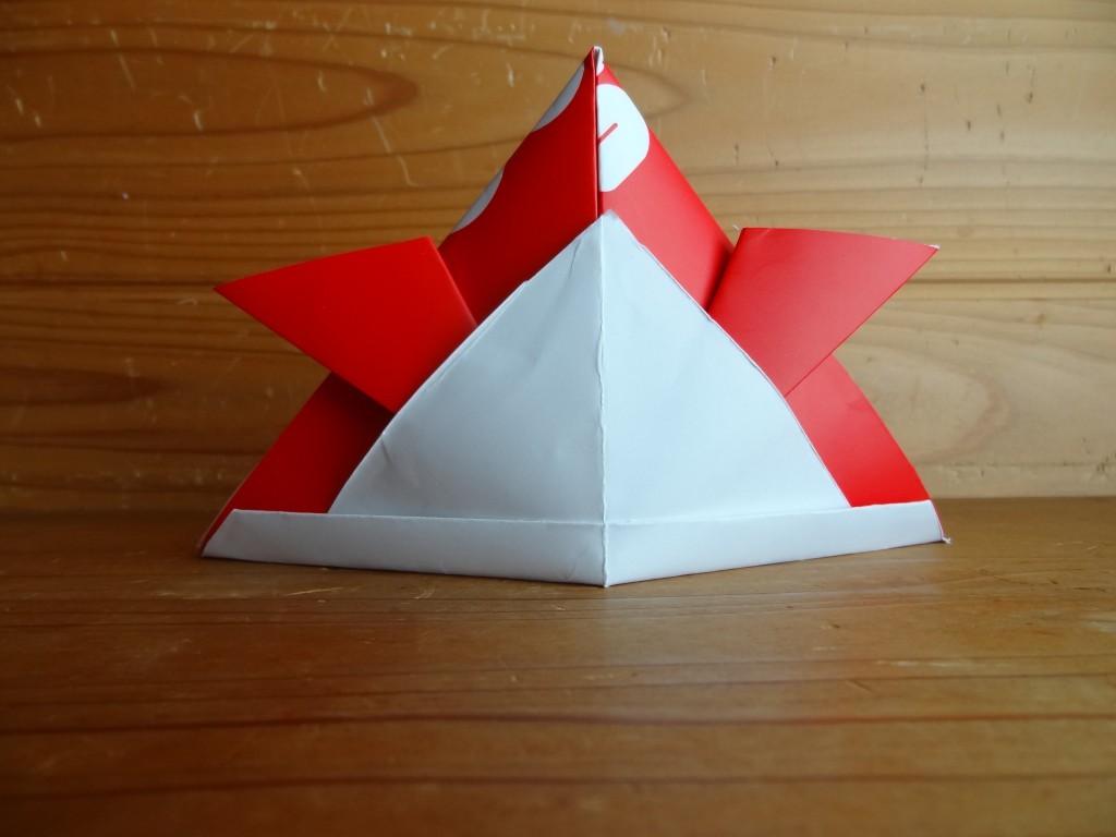 紙袋のかぶとのできあがり(1)