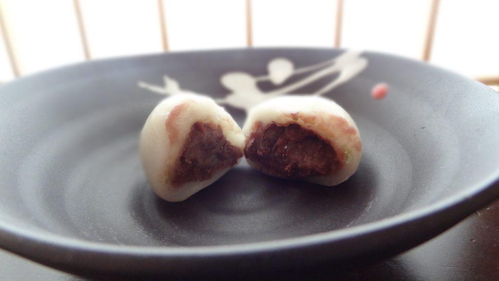 茜庵のかしわ餅(白)(2)