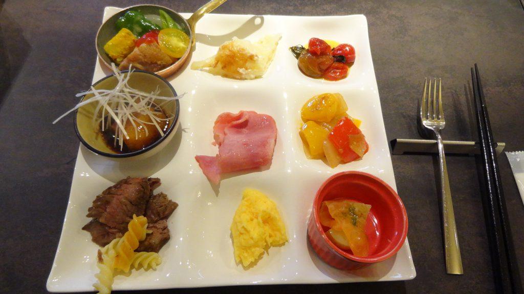 朝食ビュッフェ(2)