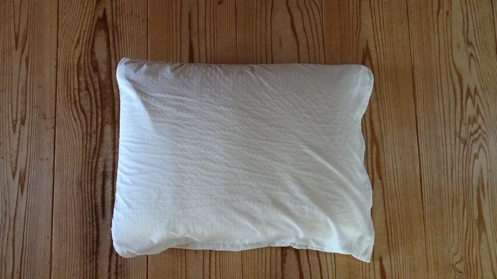 「うつぶせゴロゴロ寝運動」に使用する枕