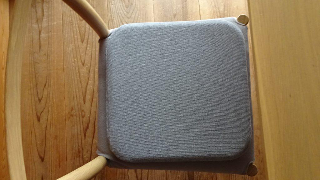 無印良品の「ウレタンフォーム低反発シートクッション角型杢グレー」(11)