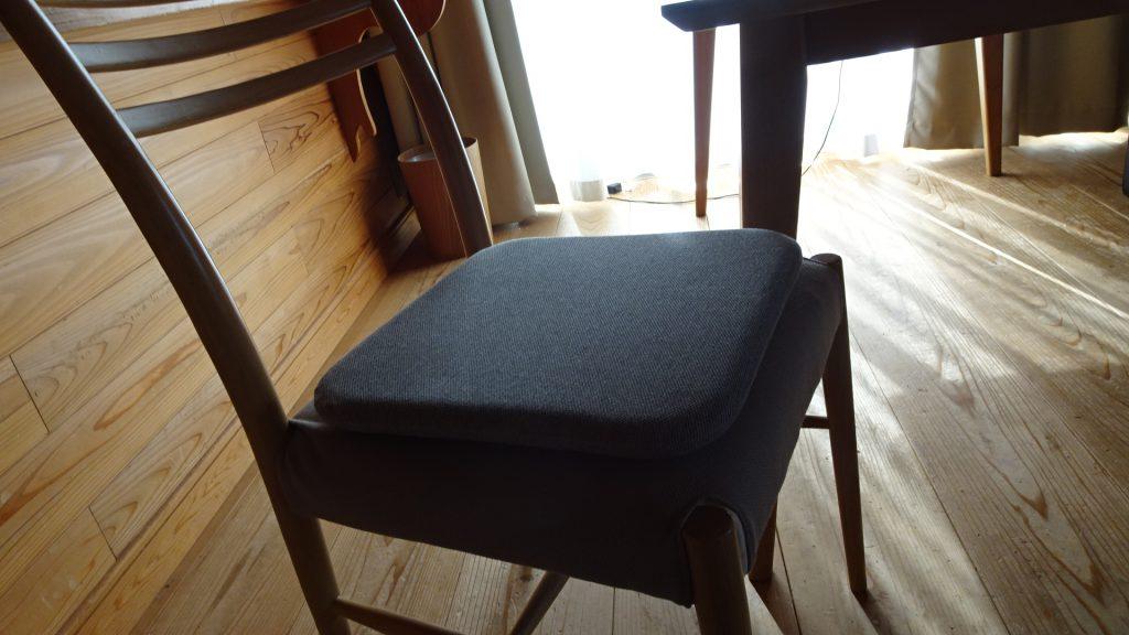 無印良品の「ウレタンフォーム低反発シートクッション角型杢グレー」(10)