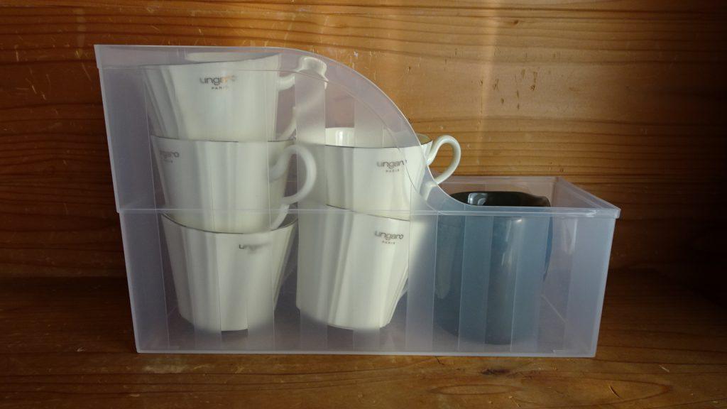 ファイルスタンドを食器の収納に使用(3)